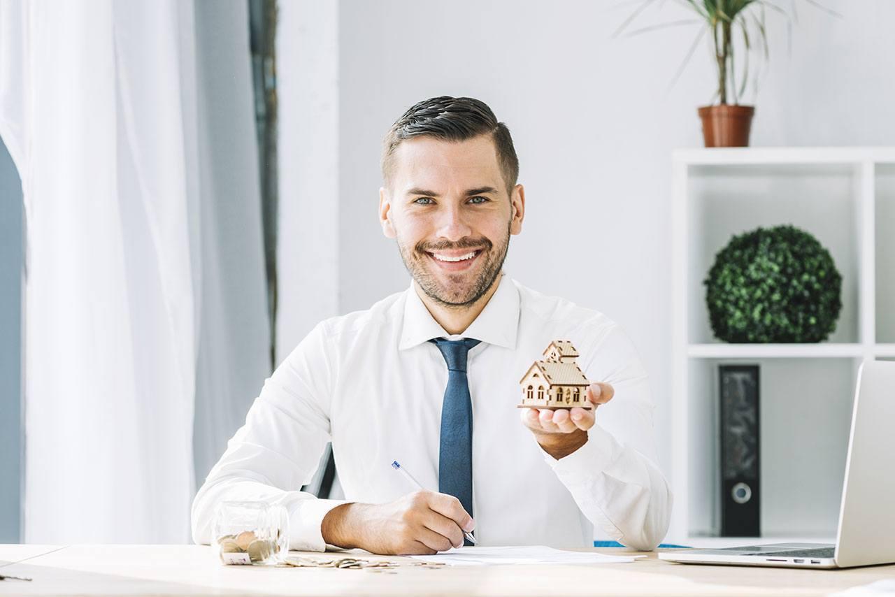 Presentación de un asesor inmobiliario