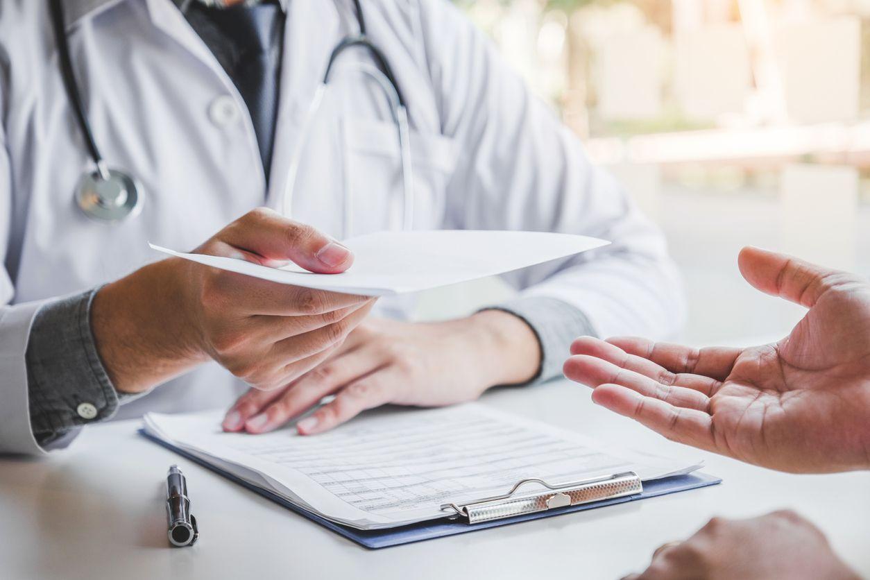 ¿Qué es un Seguro de Gastos Médicos Mayores?