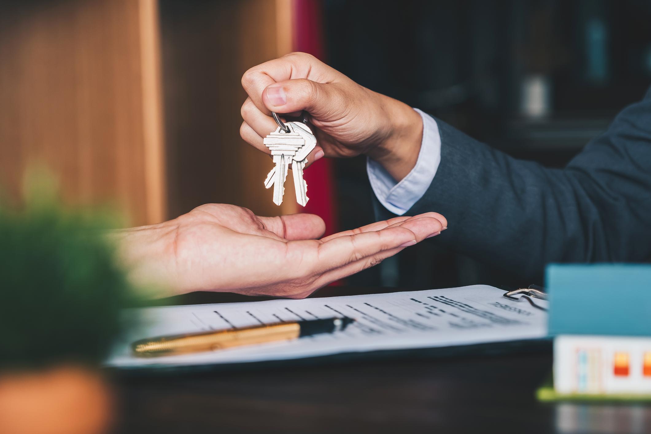¿Qué se incluye en un contrato de compraventa?